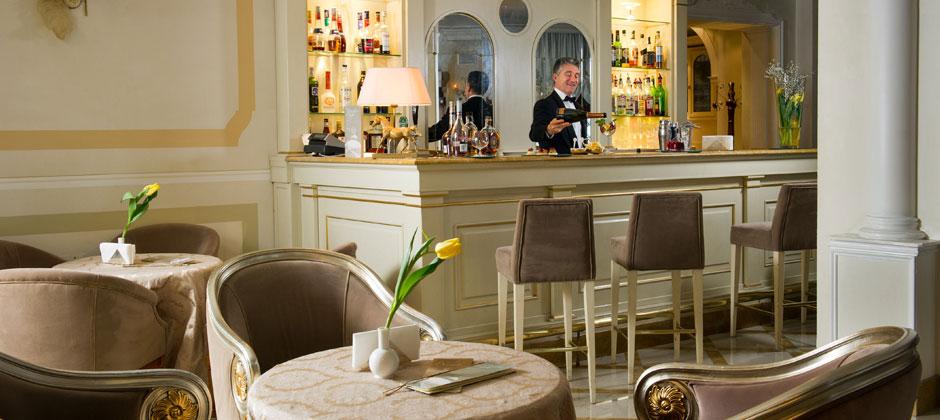 Carlton Café